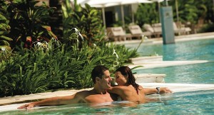 423_STPD_Couple_in_pool