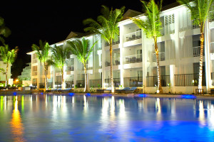 Peppers-Beach-Club---Pool-night-600x400